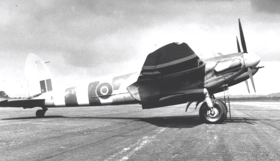 613_Squadron_Mosquito_FB.VI_at_RAF_Lasham_June_1944.jpg