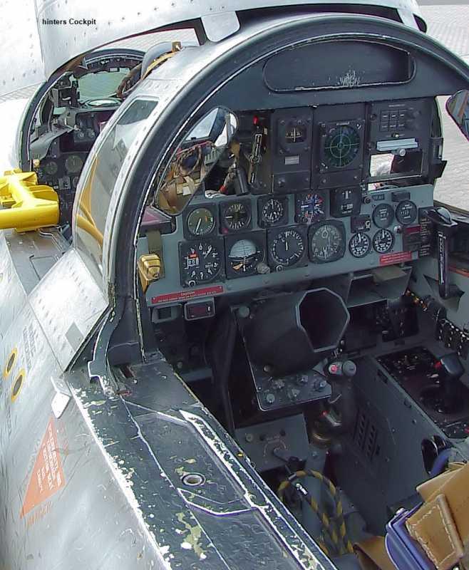 a_F-4_Phantom_II_-_Cockpit_1.jpg